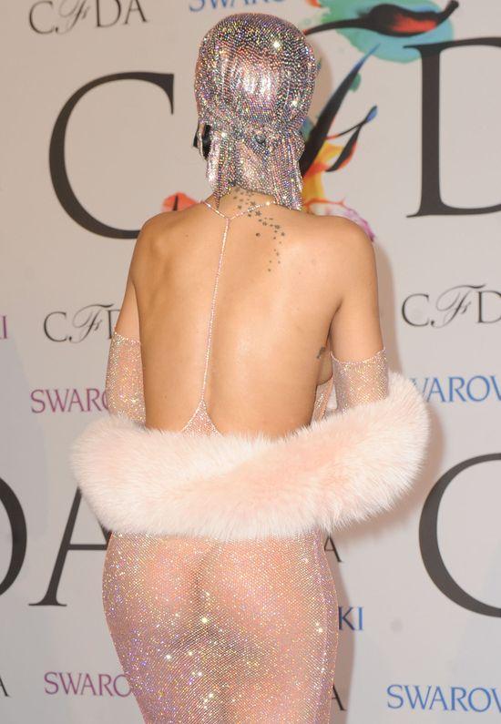 Półnaga Rihanna twerkała na gali CFDA! (VIDEO)