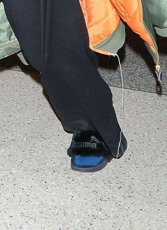 OMG! Czy to najgorsza ze stylizacji Rihanny? (FOTO)