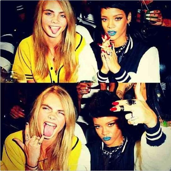 Rihanna z niebieskimi ustami (FOTO)