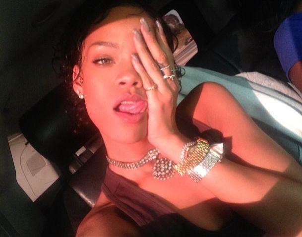 Rihanna ma sposób na rozstania (FOTO)
