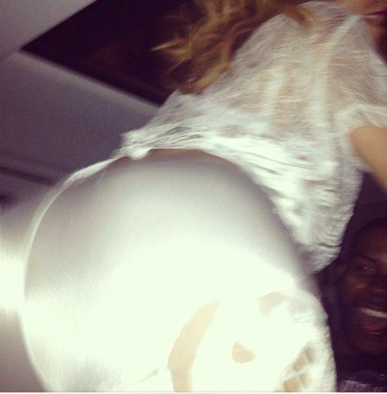 Rihanna trzęsie tyłeczkiem (VIDEO)