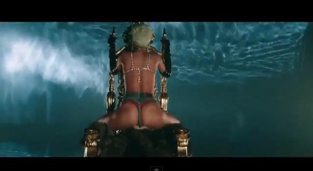 Rihanna jak striptizerka w klipie do Pour It Up (VIDEO)