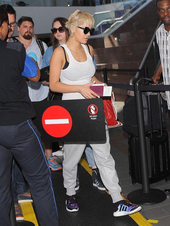 Co za różnica! Rita Ora bez peruki (FOTO)
