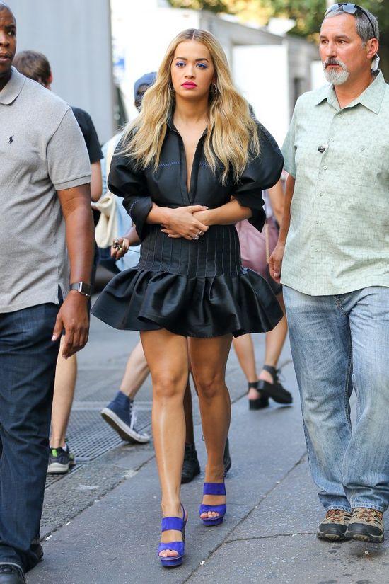 Na ile frontów gra Rita Ora? U kogo nocowała wczoraj w nocy?