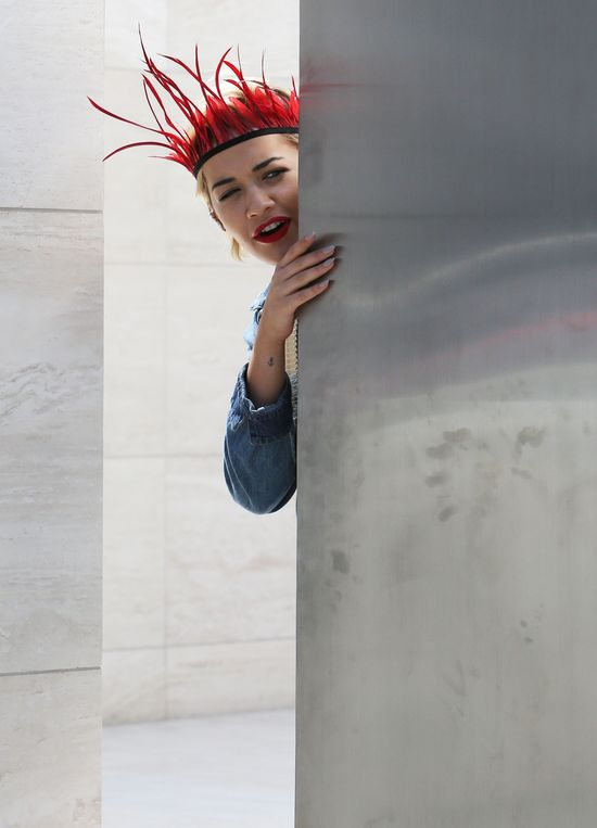 Przed kim ukrywa się Rita Ora? (FOTO)