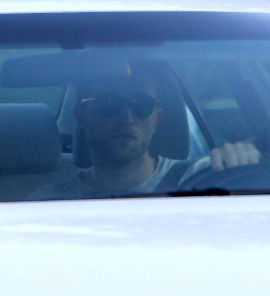 Robert Pattinson zauważony pod domem Kristen Stewart (FOTO)