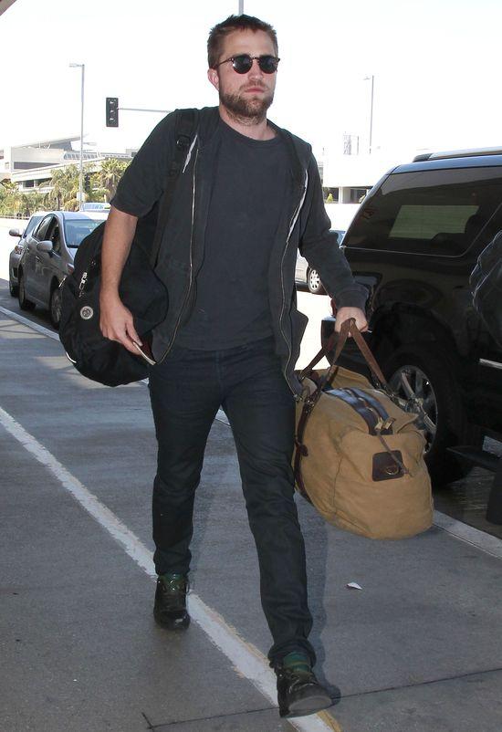 Zauważono: Robert Pattinson na randce z dwoma paniami