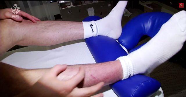 Robert Lewandowski pokazał kontuzjowaną nogę (VIDEO)