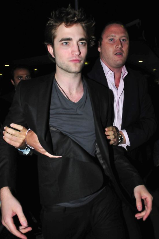 Robert Pattinson ćpał kokainę przez całą imprezę?