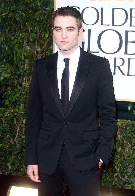 Co powiecie na spoconego i brodatego Pattinsona? (FOTO)