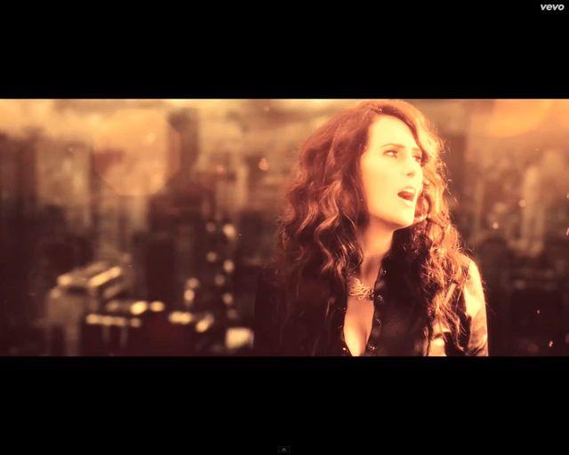 Piotr Rogucki śpiewa z Within Temptation [VIDEO]