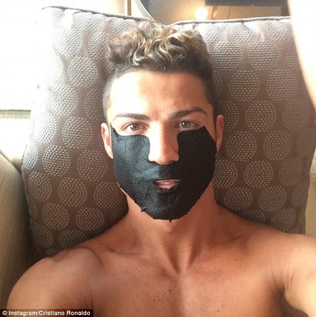 Co Cristiano ROnaldo zrobi� ze swoj� twarz�? (FOTO)