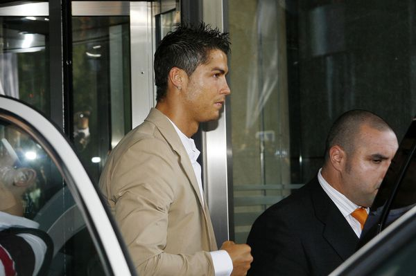 Cristiano Ronaldo uderzył w twarz rywala na boisku