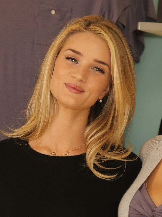 W czym śpi Rosie Huntington-Whiteley? (FOTO)