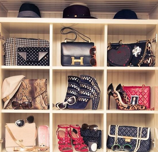 Zwiedzamy garderobę Rosie Huntington-Whiteley (FOTO)