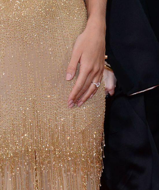 Rosie Huntington-Whiteley pokazała pierścionek zaręczynowy!
