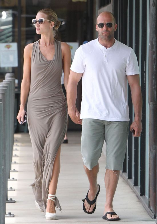 Rosie Huntington-Whiteley i Jason Statham idą na...