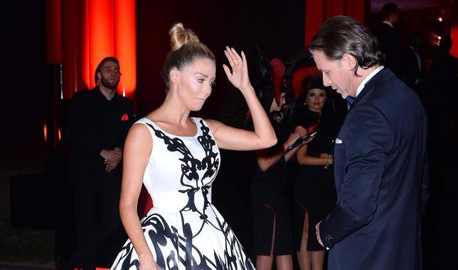 Fani krytykują fryzurę Małgorzaty Rozenek na balu Fundacji TVN