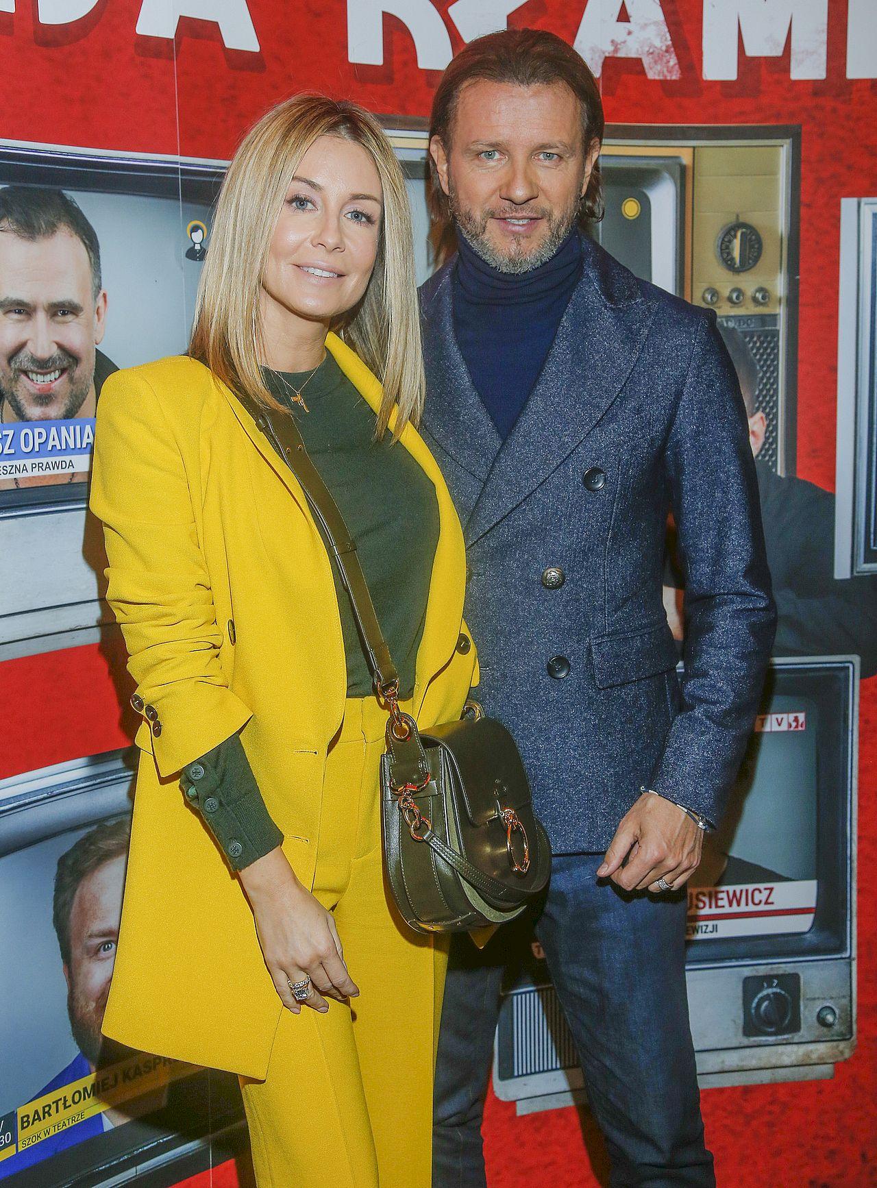Żółty garnitur Małgorzaty Rozenek zrobił FURORĘ na premierze spektaklu