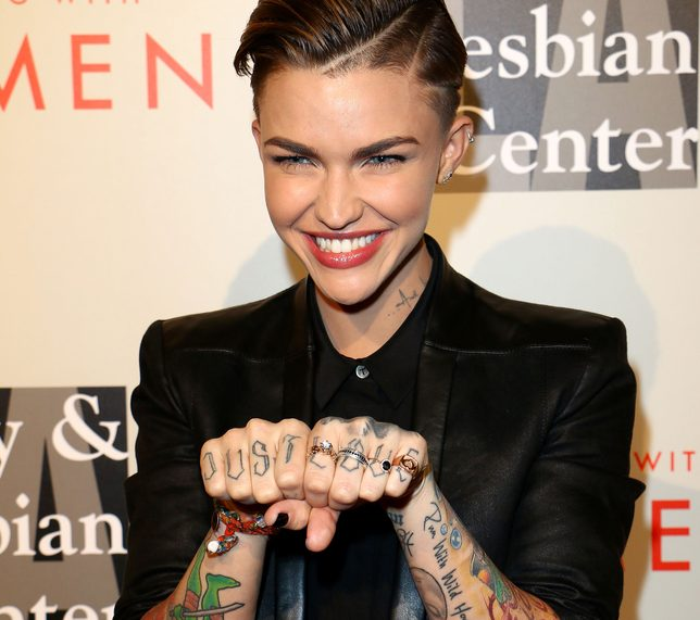 Ruby Rose kompletnie NAGA w odcinku Orange is the New Black