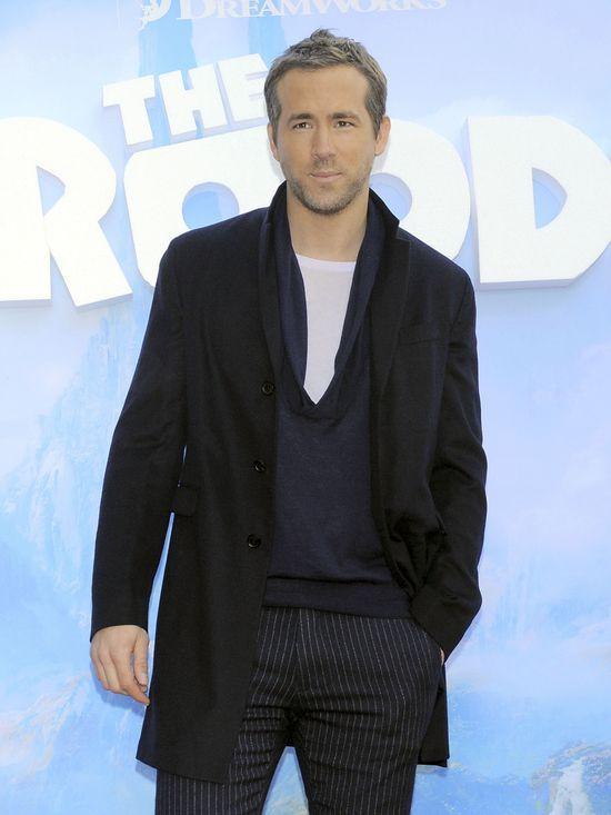 Ryan Reynolds na każdym kroku kontroluje Blake Lively
