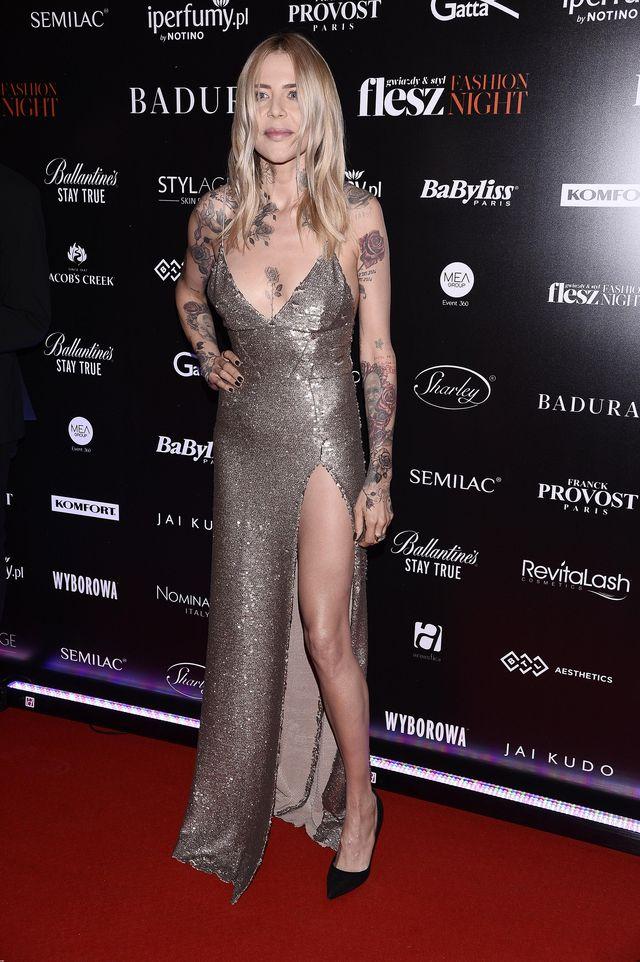 Maja Sablewska pozuje topless! Zobaczcie, ile ma tatuaży