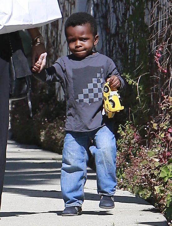 Syn Sandry Bullock rośnie jak na drożdżach (FOTO)