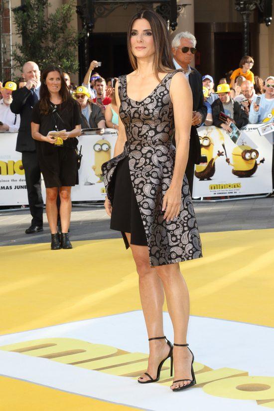 Sandra Bullock - świetna konserwacja czy geny? (FOTO)