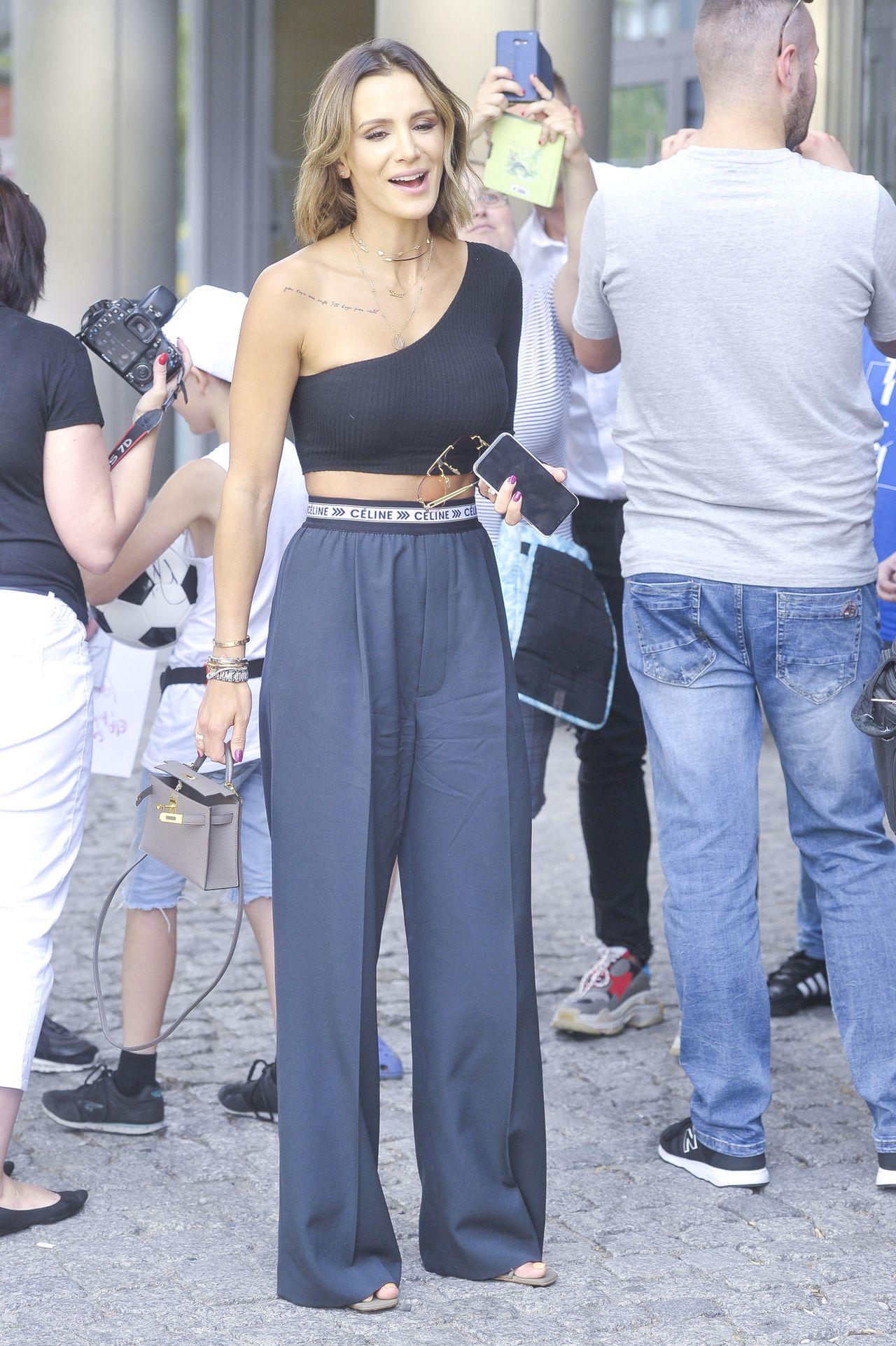 Buty STRASZNE, prawie jak gips - fani krytykują wypasione laczki Sary Boruc