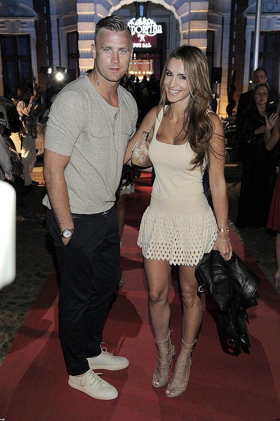 Artur Boruc z Sarą Mannei na imprezie Playboya (FOTO)