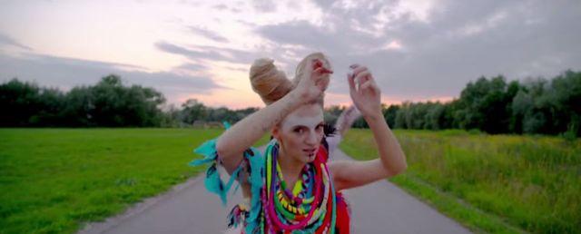 Sarsa pokazała nowy teledysk do kawałka Indiana (VIDEO)