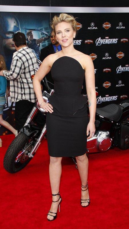 Scarlett Johansson coraz szczuplejsza (FOTO)