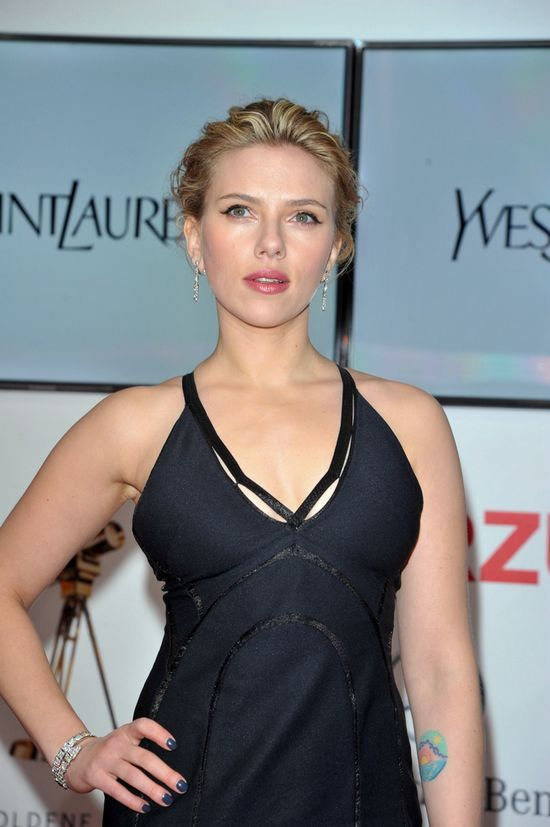 Scarlett Johansson nie mog�a oderwa� wzroku od Dity VonTeese