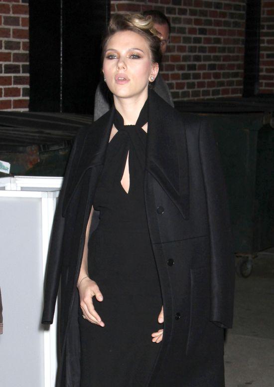 Scarlett Johansson nie wyjdzie z domu bez...
