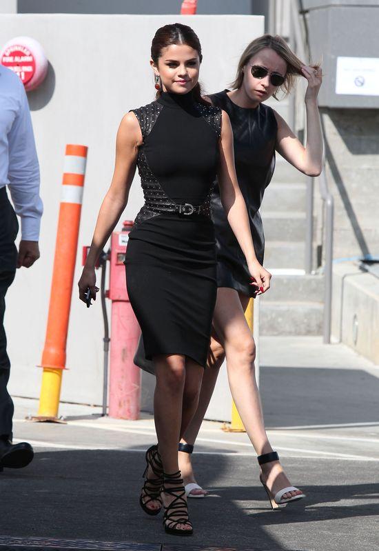 Selena Gomez przed i na imprezie (FOTO)