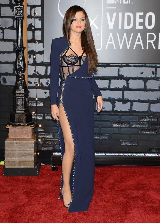 Selena Gomez spędziła noc z Georgem Shelley'em!
