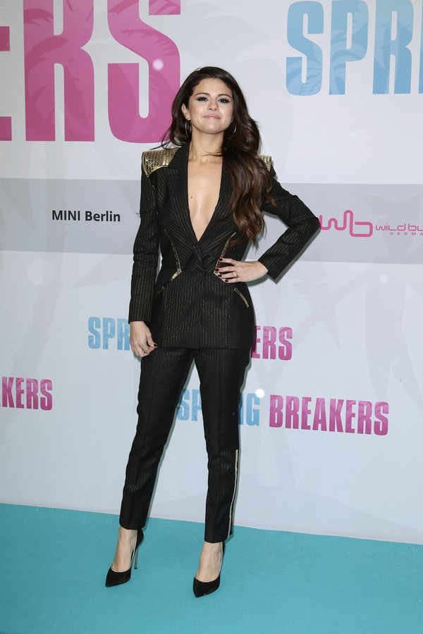 Z Bieberem czy bez, Selena Gomez wygląda znakomicie