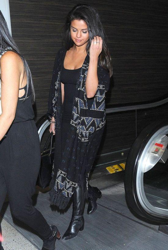 Dlaczego Selena Gomez jest tak spuchnięta? (FOTO)