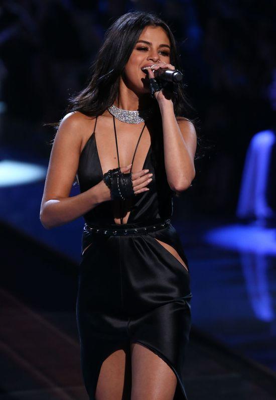 Kontrowersje wokół występu Seleny Gomez podczas VS show