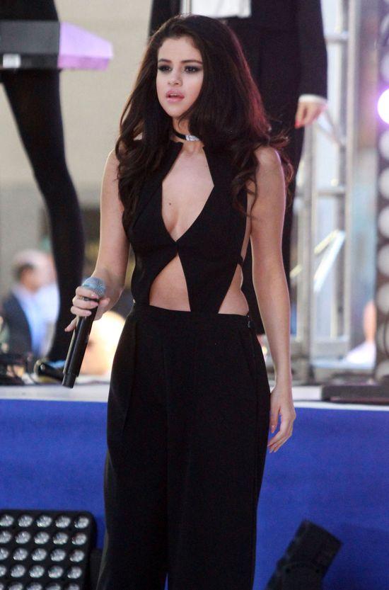 Selena Gomez już nie ma FAŁDEK! (FOTO)