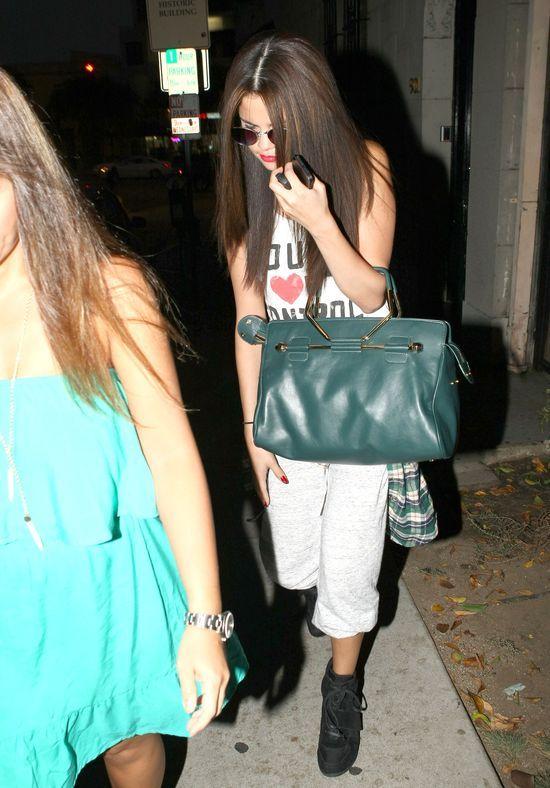 Selena Gomez zmieni�a fryzur� (FOTO)