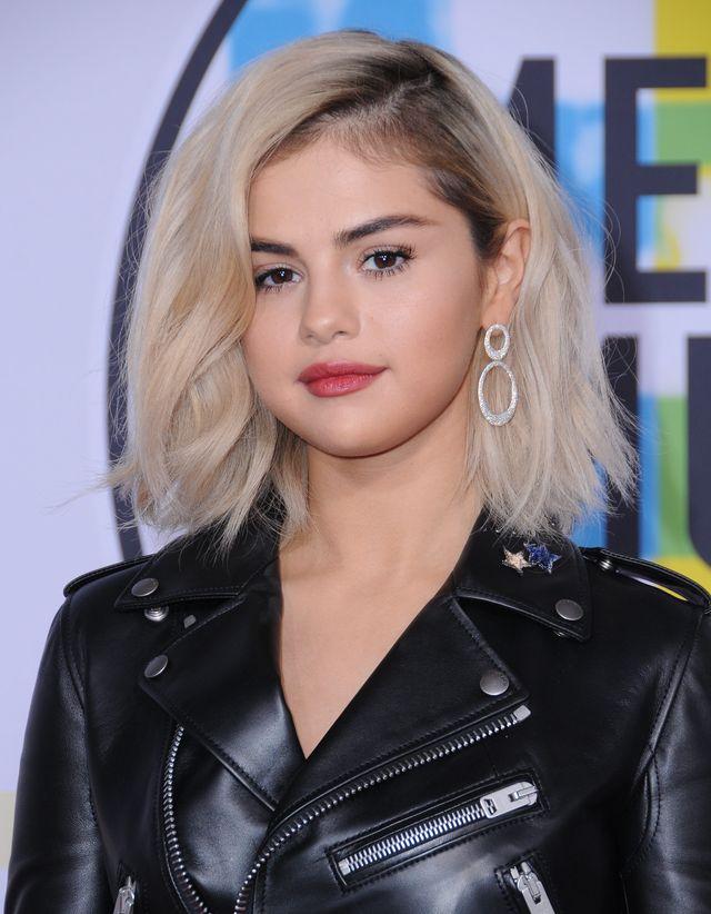 Przefarbowanie włosów Seleny Gomez trwało dłużej niż myślisz. Ile godzin?