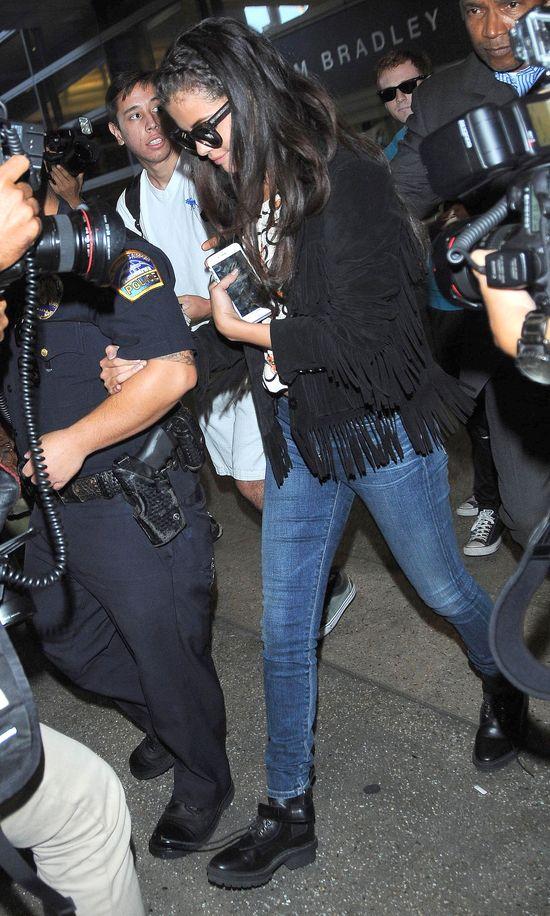 Selena Gomez singielką - odcinek 3838 (FOTO)