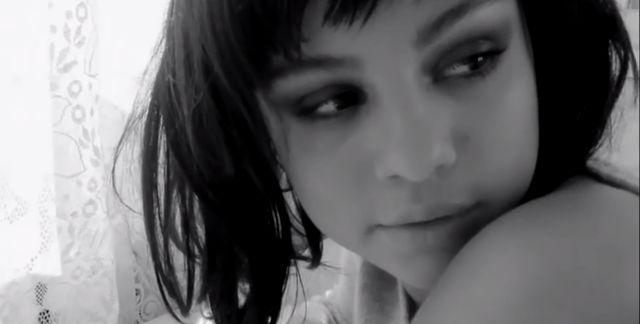 Selena Gomez w kr�tkich w�osach (VIDEO)