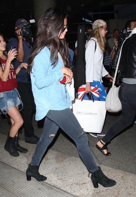Selena Gomez zdjęła doczepy! (FOTO)