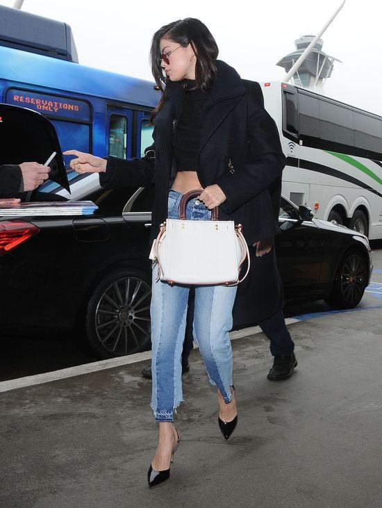 Selena Gomez wróciła z wycieczki do Florencji. Wygląda na szczęśliwą?