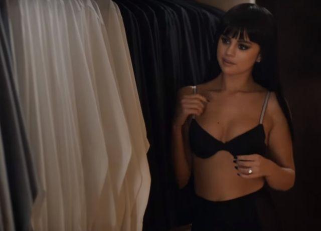 Uff! Jak gorąco! Selena Gomez pokazała się w samej bieliźnie