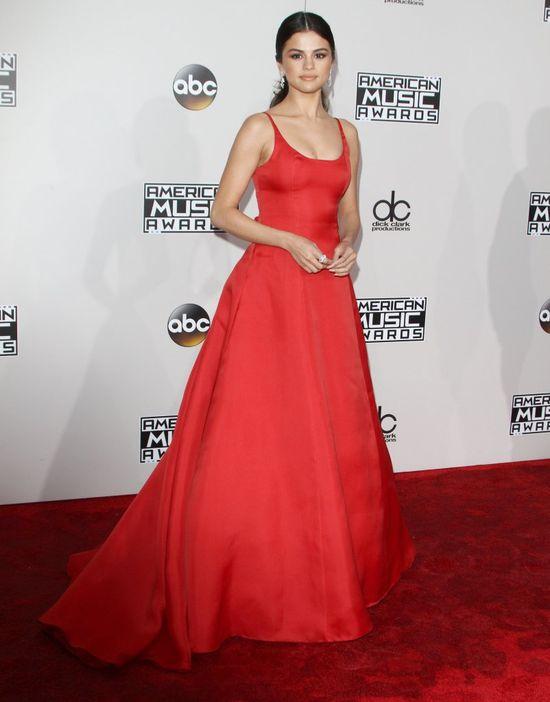 Selena Gomez PIERWSZY RAZ na czerwonym dywanie od czasu odwyku! (FOTO)