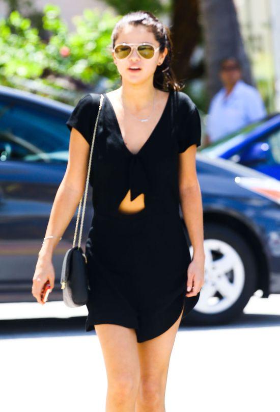 Selena Gomez gorzko po�a�owa�a napompowania piersi