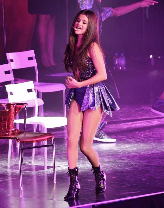 Ile razy przebiera się Selena Gomez? (FOTO)